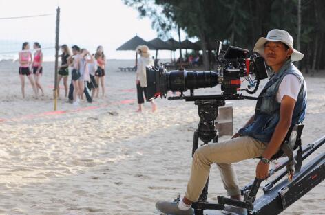 电影《神将少女保镖》热播 摄影师陈庆茹将精彩继续