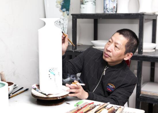 上海著名画家吴爱政在国际上屡获殊荣