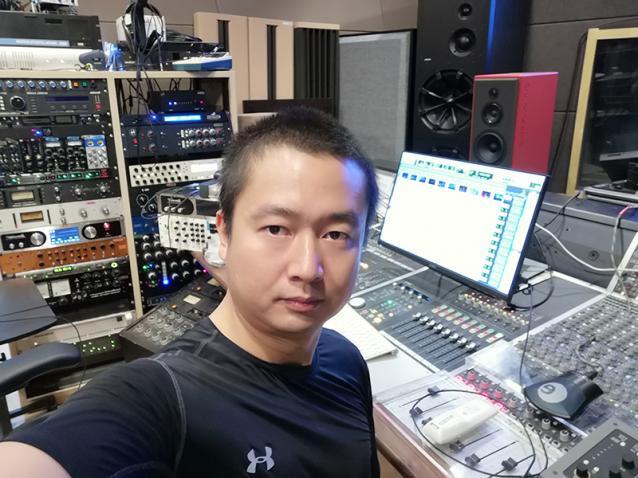 中国医师节将至 李俊伟许谦创作歌曲《医路有你》