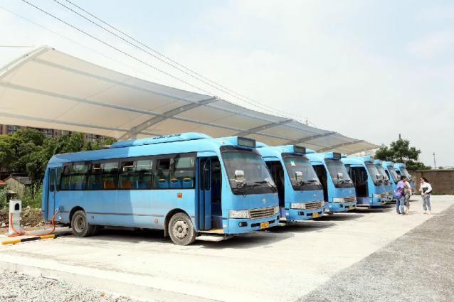 江都电动公交运行一年社会经济效益双丰收